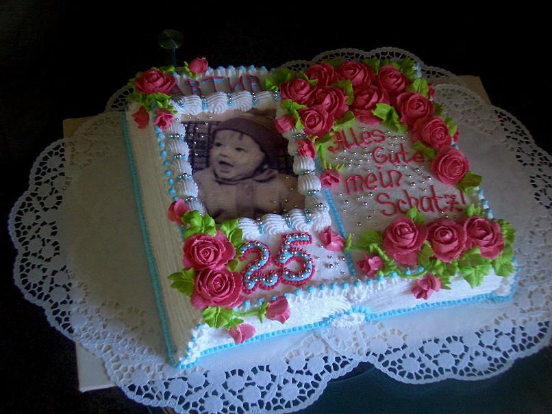 Оформление торта в виде книги-фото