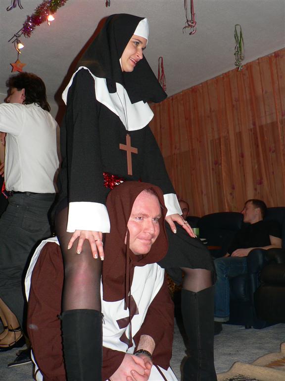 Секс монашки с монахом