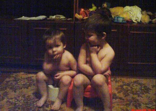 Молоденькие девочки с маленькими сиськами сосут и глотают сперму бесплатно